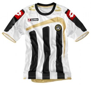 09-10 Udinese Home Shirt