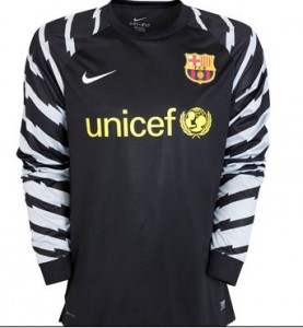 10-11 Barcelona Home Goalkeeper Shirt