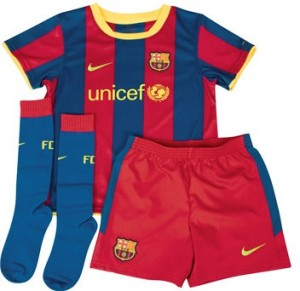 10-11 Barcelona Home Mini Kit Little Boys
