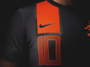 12-13-netherlands-away-kit-ns2